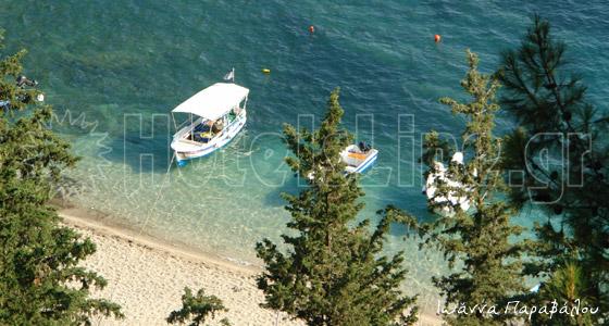 Κρυστάλλινα νερά και φανταστικές παραλίες