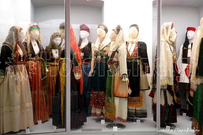 Εκθεση ελληνικής παραδοσιακής φορεσιάς