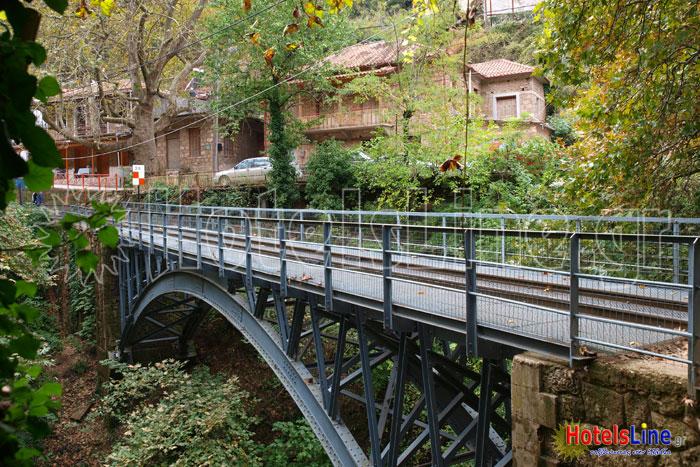 Η μεταλλική γέφυρα του Οδοντωτού στη Ζαχλωρού