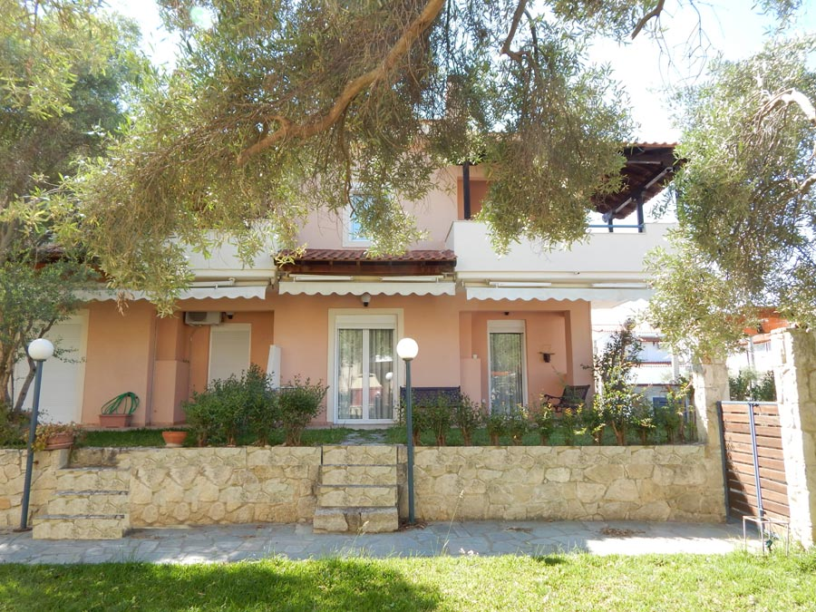 KRIPIS HOUSE PEFKOHORI