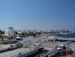 Το λιμάνι της Αντιπάρου