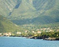 Αρμονικός συνδυασμός βουνού και θάλασσας