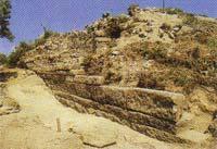 Τοίχος του αρχαϊκού ναού του 6ου αι. π.Χ.