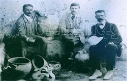 A. Evans with the architect Th. Fyfe and the archaeologist D. Mackenzie