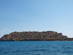 Το νησί Σπιναλόγκα στο νομό Λασιθίου της Κρήτης