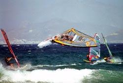 Χρυσή Ακτή Πάρου. Ο παράδεισος του windsurf στις Κυκλάδες
