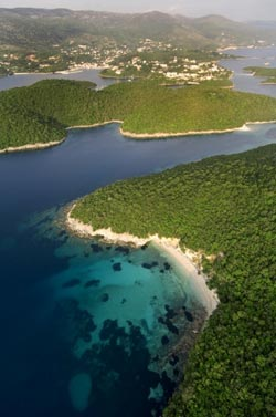 Παραλίες στα Σύβοτα Θεσπρωτίας. Πισίνα