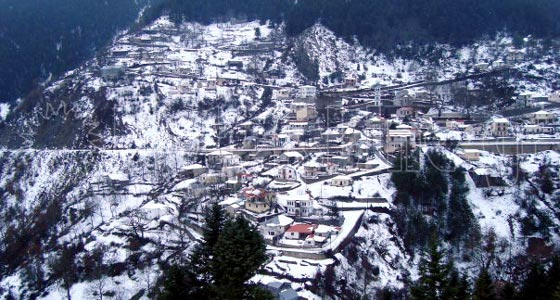 Δέση Τρικάλων. Το χωριό χιονισμένο