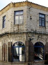 Παλιά Πόλη Ξάνθης. Κατάστημα με κατοικία