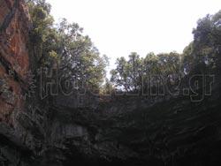 Λιμνοσπήλαιο της Μελισσάνης